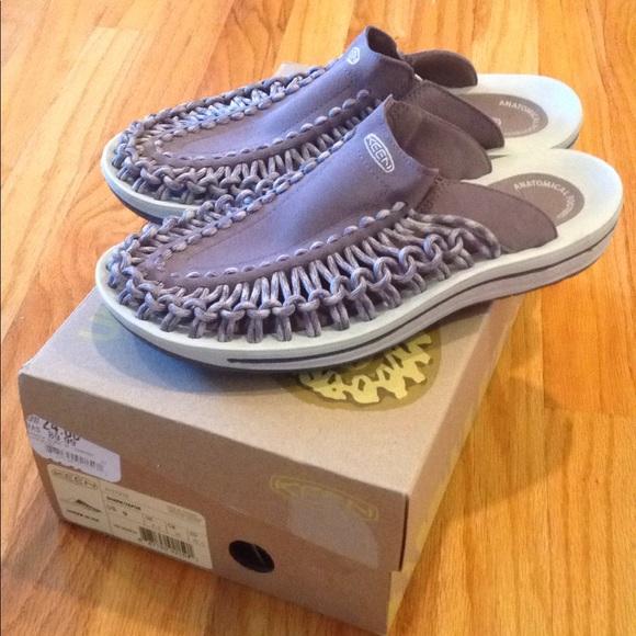 f6f250dbc065 Keen Shoes - Women s new gray Keen uneek slides 9 sandals 8.5